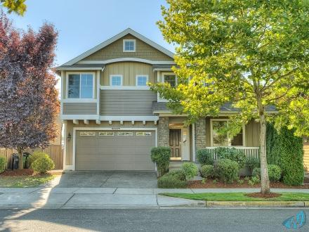 Spacious Craftmans Style home Redmond